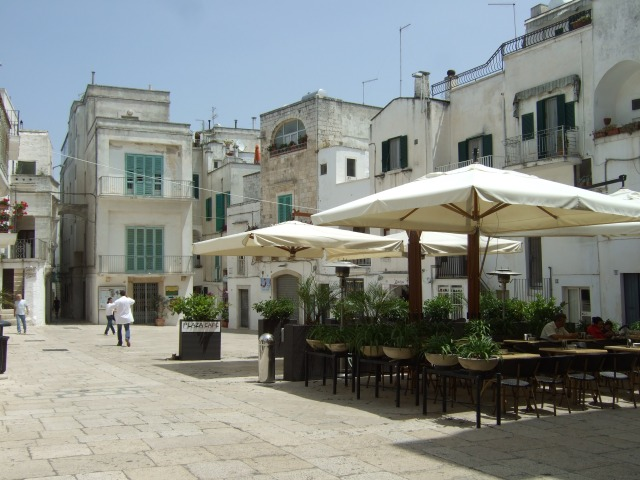 Outdoor restaurant in Cisternino, Italy