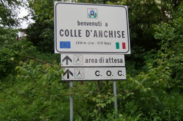 Colle d'Anchise sign