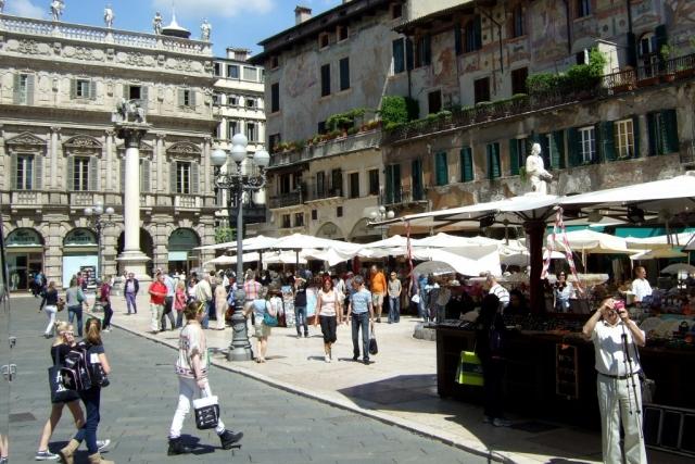 Piazza delle Erbe in Verona