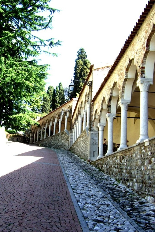 Porticato del Lippomano in Udine - Photo by Margie Miklas