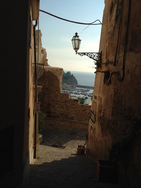The medieval hamlet in Agropoli (SA) Photo by @FilomenaDeStefa
