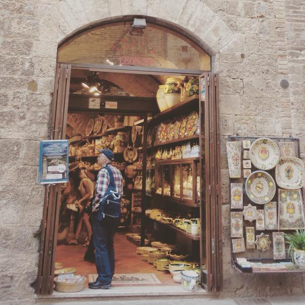 San Gimignano Photo by Ishita, @italophilia