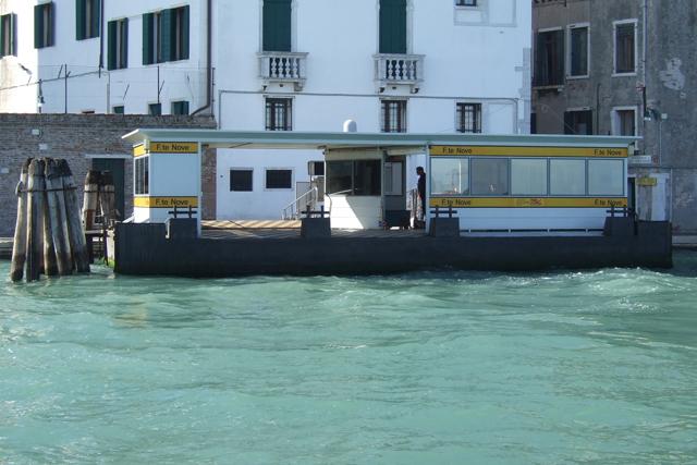 Fondamente Nove, widebodied vaporetto-style boats