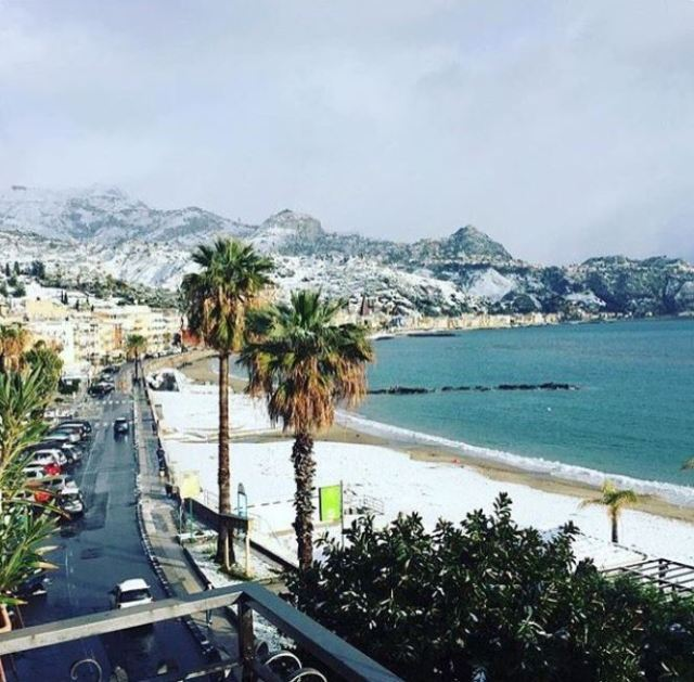 Snow in Giardini Naxos, Sicily Photo by @whitealmondsicily