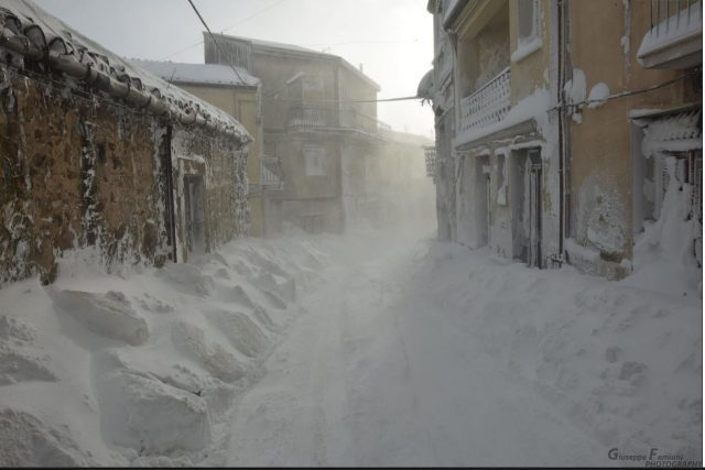 Snow in Cesaro` Photo by Giuseppe Famiani https://www.facebook.com/giuseppe.famiani